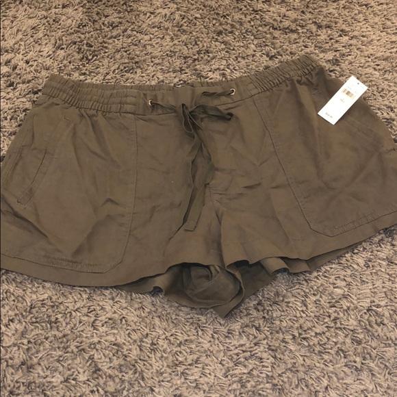 aa0e3808a GAP Shorts | Green Flowy | Poshmark